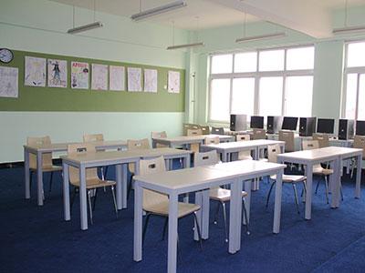 力迈外国语学校国际高中教室