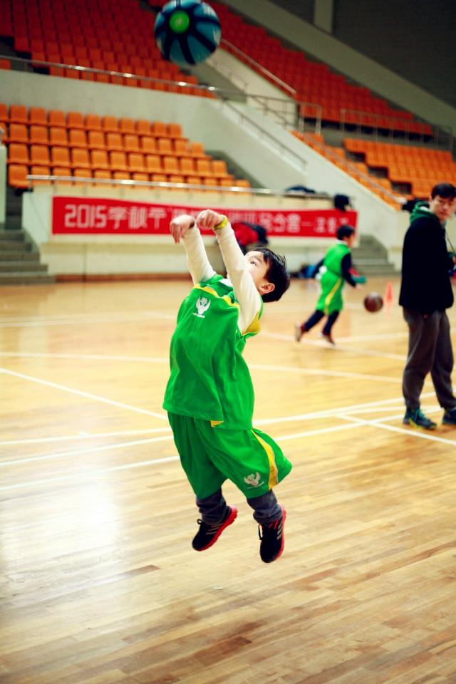 p幼儿篮球班      p:popular      o:originality      我们的课程是