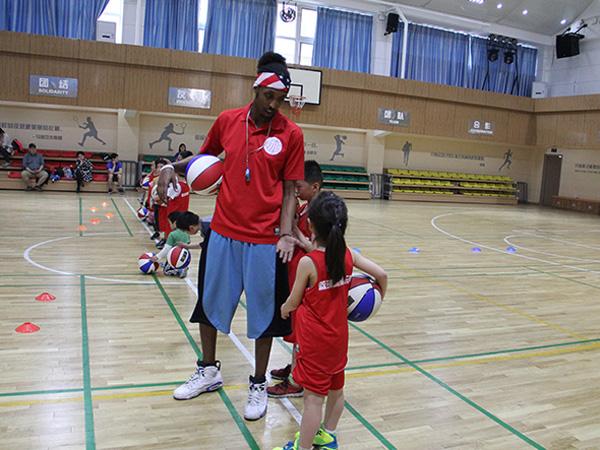 高端外教篮球课免费体验报名中